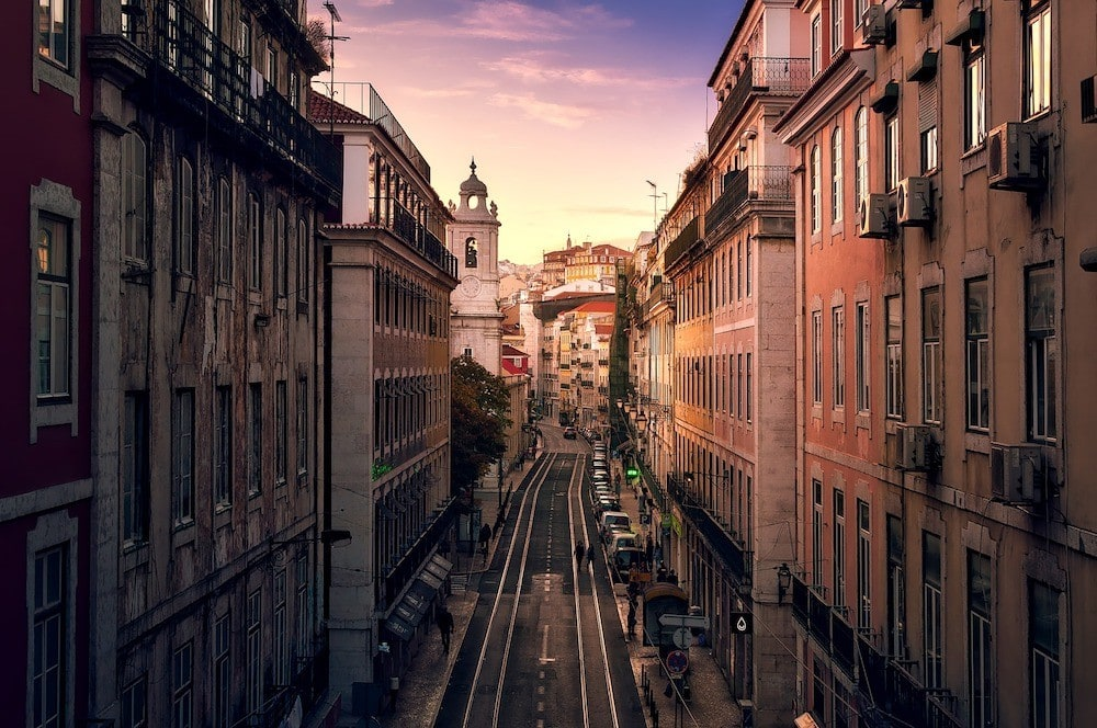 this travel blog Lisbon covers the perfect 2 days in Lisbon tips!