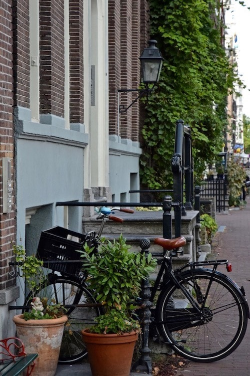 responsible travel Amsterdam guide