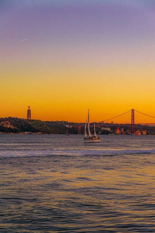 48 Hours in Lisbon    and a Warning  | Soul Travel