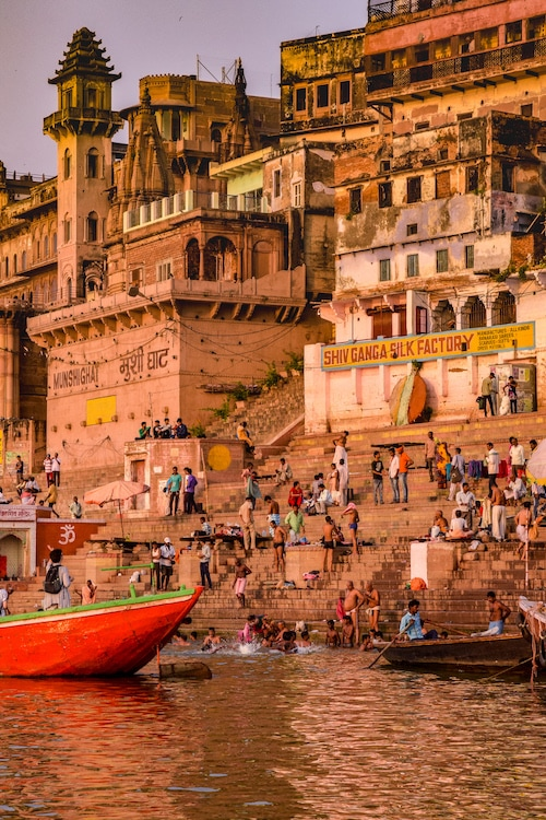 The best time to visit Varanasi, India - where to visit in India by month guide #traveltips #india
