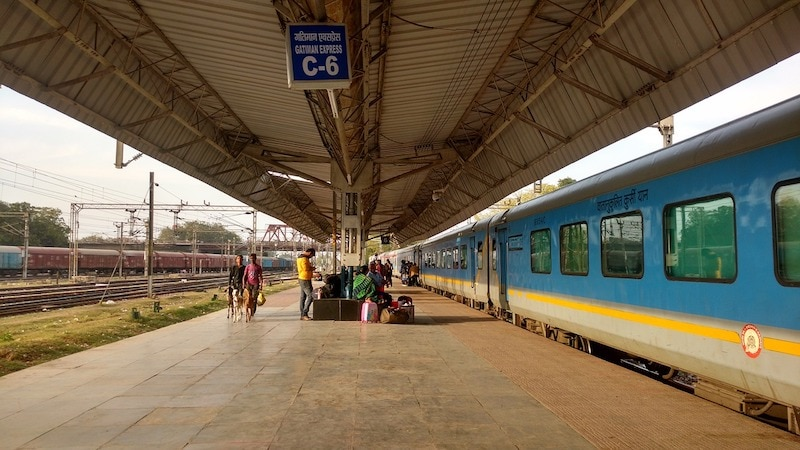 Delhi to Agra on the Gatimaan express India's fastest train journey